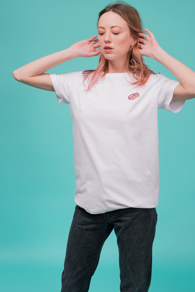 "Cotton white t-shirt embroidered ""donut"""