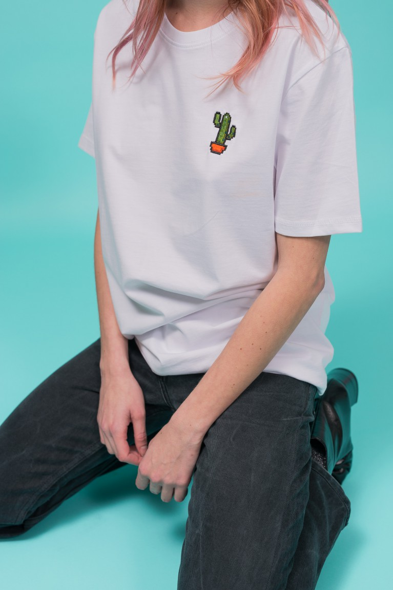 "Cotton white t-shirt embroidered ""cactus"""