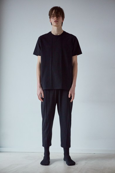 Linear pleat cotton trousers
