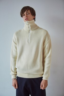 Merino wool turtleneck off white
